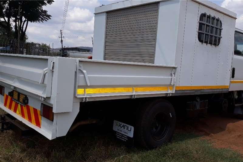 Isuzu ISUZU NPR 400 CRU CAB DROP SIDE Truck