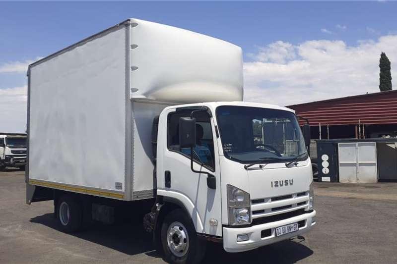 Isuzu Truck ISUZU NPR300 AMT VAN BODY 2014