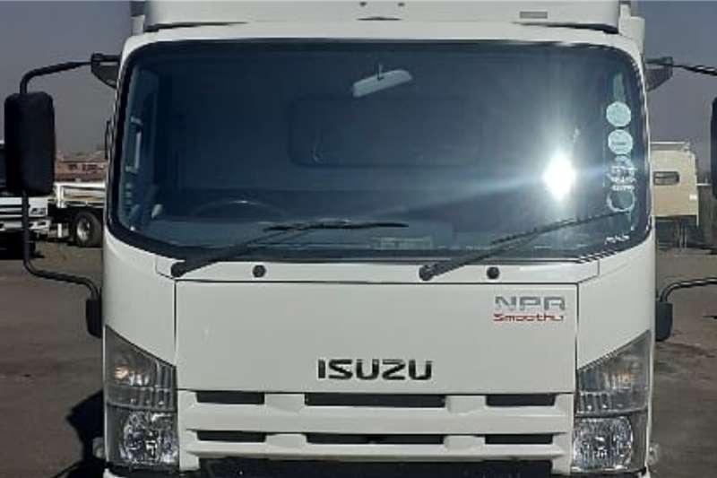 Isuzu Truck ISUZU NPR400 VAN BODY 2013