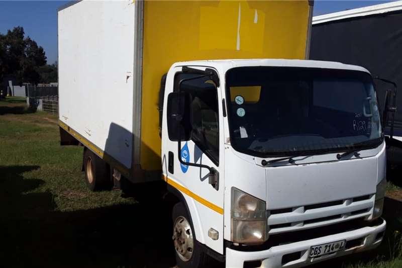 Isuzu Truck Isuzu van body 2011