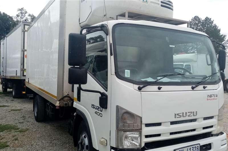Isuzu Truck Lowbed Isuzu NPR 400 2010