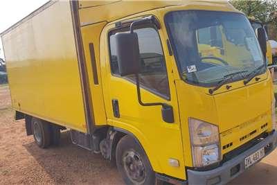 Isuzu NMR 250 CLOSED BODY 2.5 TON Truck