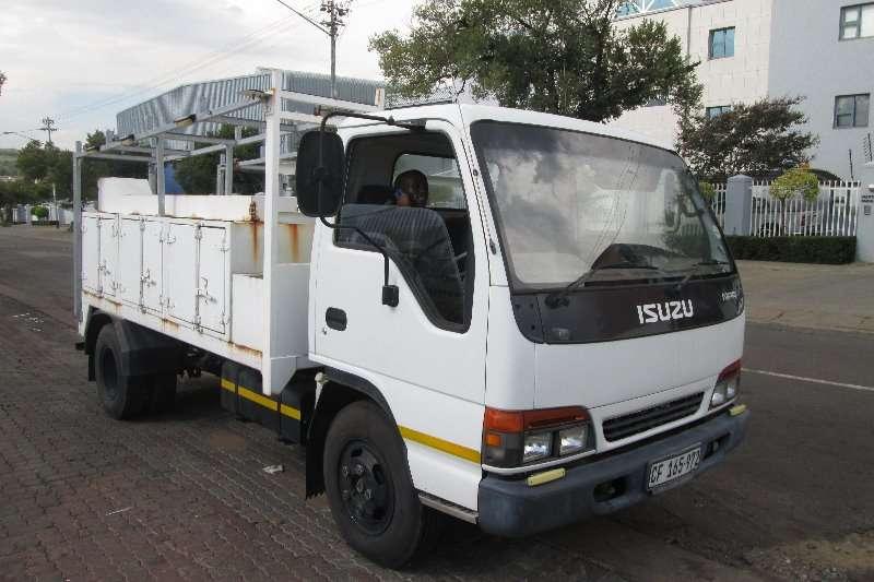 Isuzu Truck NPR 2002