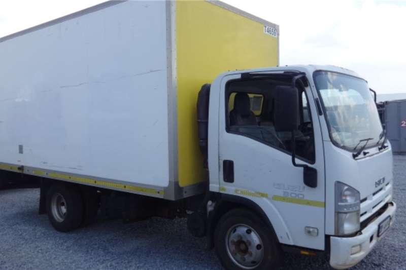 Isuzu Truck NPR300 Volume Body Truck