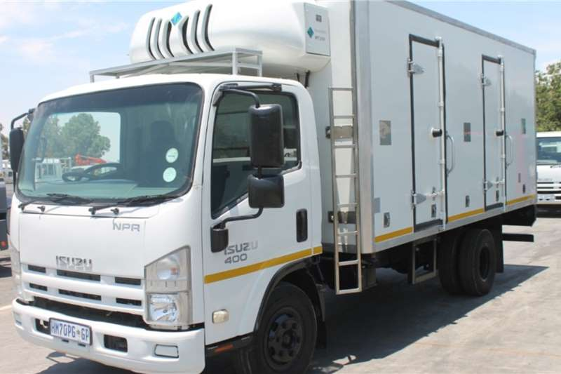 Isuzu Truck NPR400 Refrigerated Body 2010