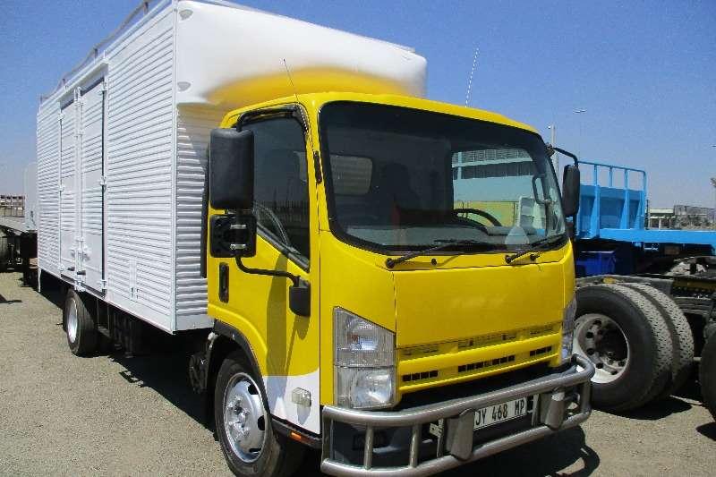 Isuzu NQR 500 Volume Body Truck