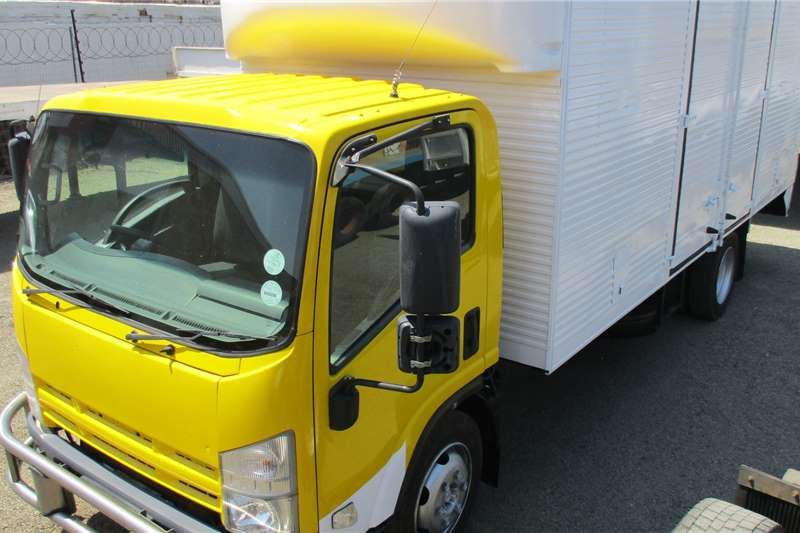 Isuzu Truck NQR500 Volume Body 2011