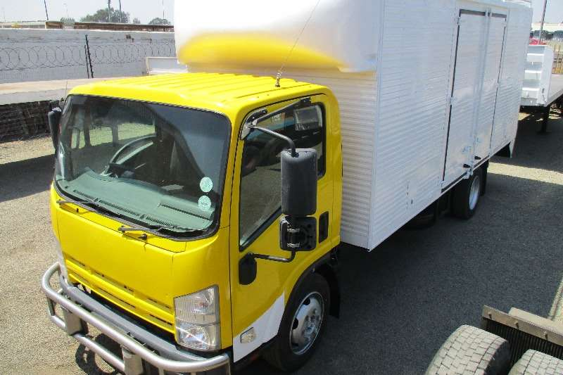 Isuzu Truck NQR500 Volume Body (Side & rear doors) 2011