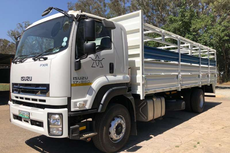 Isuzu Truck Other FXR 17 360 AND 2014 JME CATTLE TRAILER 2016