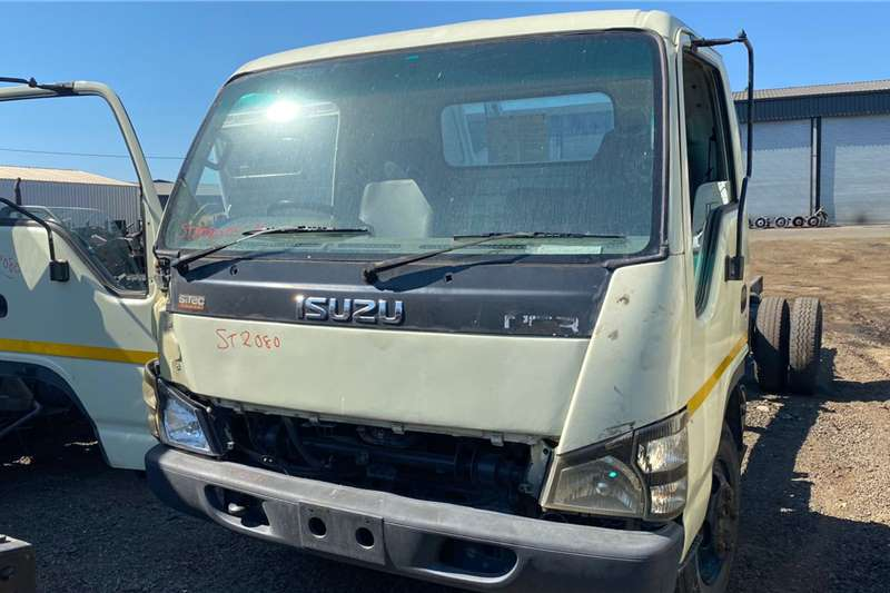 Isuzu 400 STRIPPING FOR PARTS Truck spares and parts