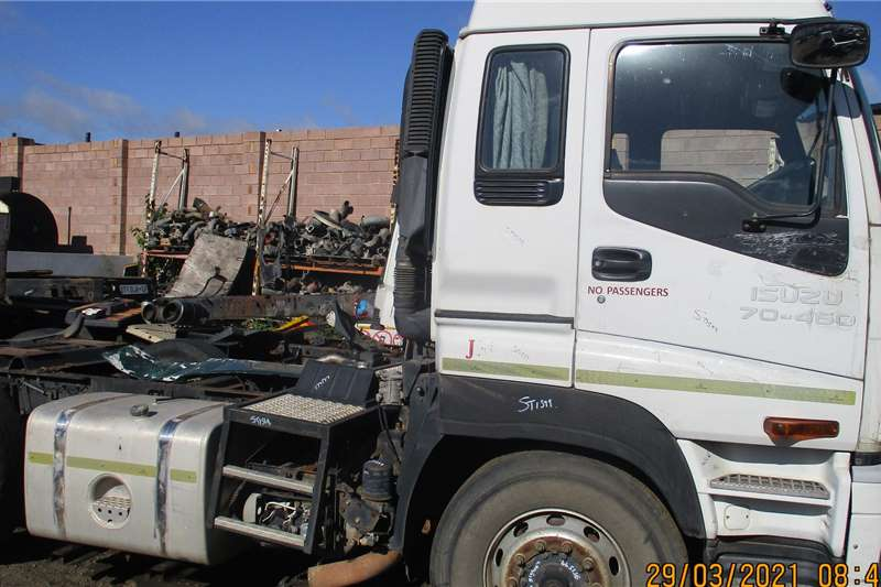 Isuzu Cab GIGAMAX CAB AND ENGINE Truck spares and parts