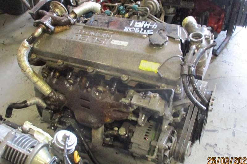 Isuzu Engines 4HF1 ENGINE Truck spares and parts