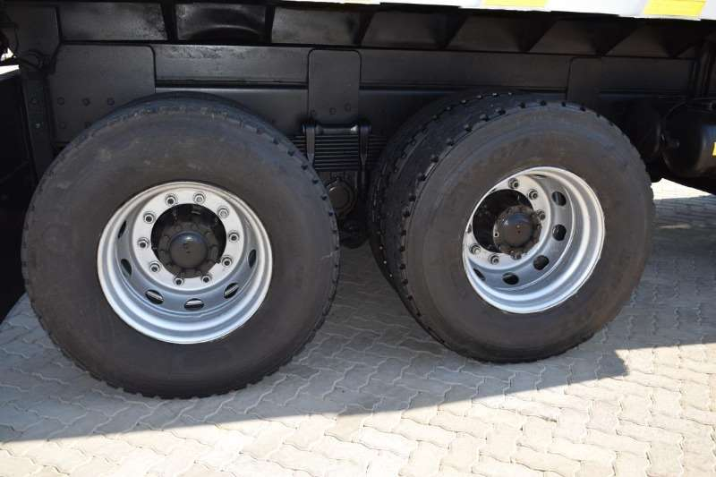 Isuzu Tipping body FVZ 1400 Turbo Tag Axle ( 10 Cubic ) Truck