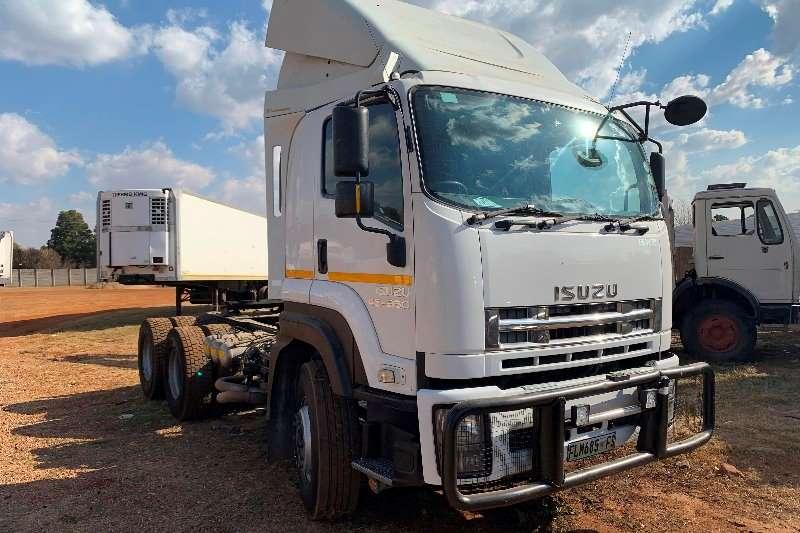Isuzu Truck-Tractor Double axle Isuzu 45 360 Double Axle 2013