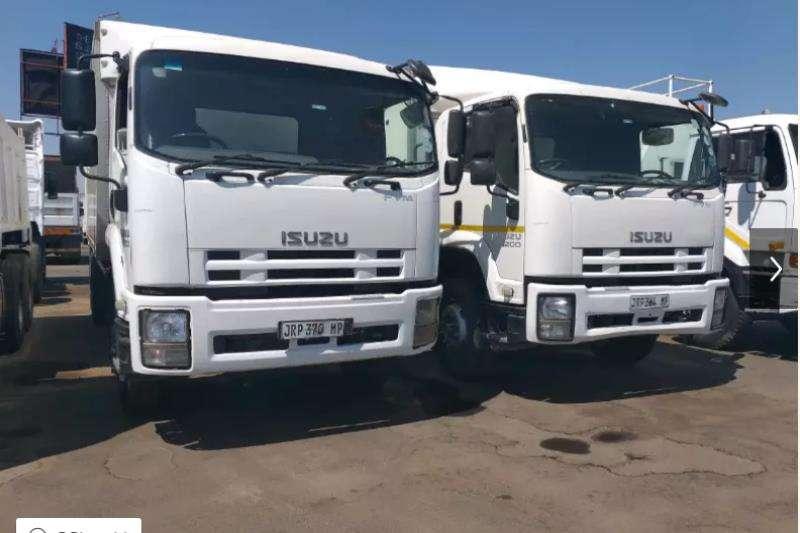 Isuzu Truck-Tractor Double axle ISUZU FVM 1200 12 ton closed body 2010