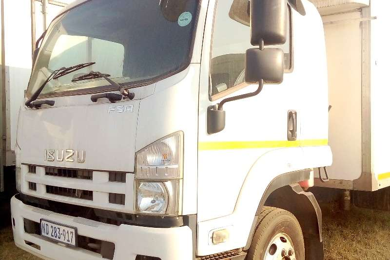 Isuzu Truck-Tractor ISUZU FSA 800 4 TON CLOSE BODY 2013