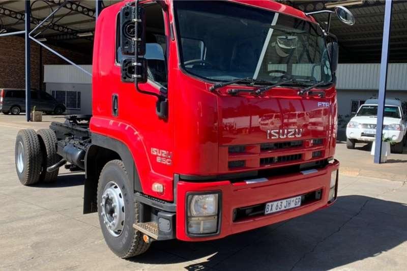 Isuzu ISUZU FTR850 4 X 2 T/T Truck tractors