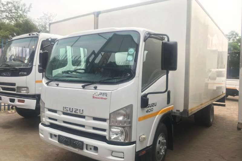 Isuzu Truck Van body Isuzu NPR 400 Volume Body 2013