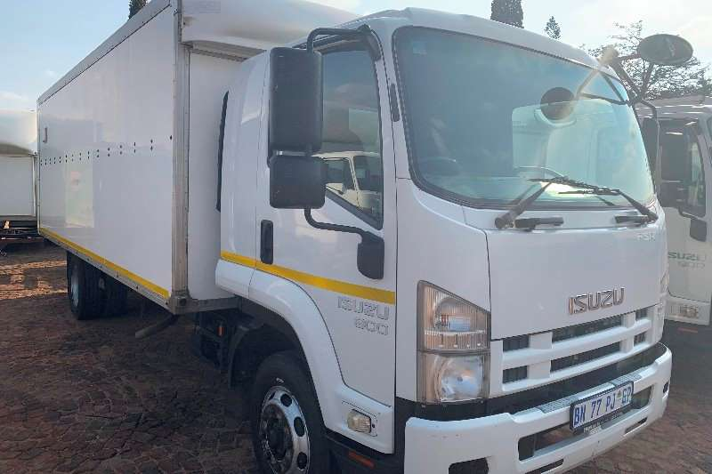 Isuzu Truck Volume body FSR 800 F/C Volume Van 2011