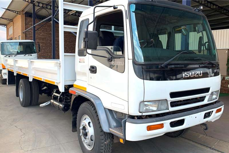 Isuzu Truck Volume body FTR 800 F/C Dropside 2006