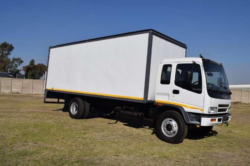 Isuzu Truck Volume Body FTR 800 with Tail Lift 8 ton 2004