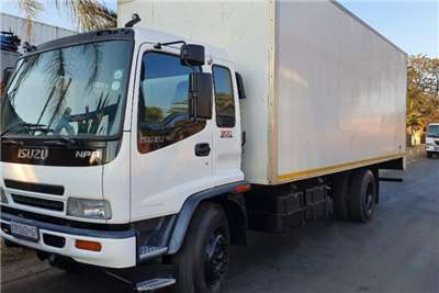 Isuzu Truck Volume Body FTR800 2008
