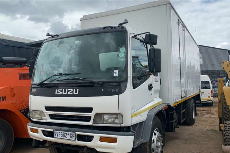 Isuzu Truck Volume body FTR800 2008