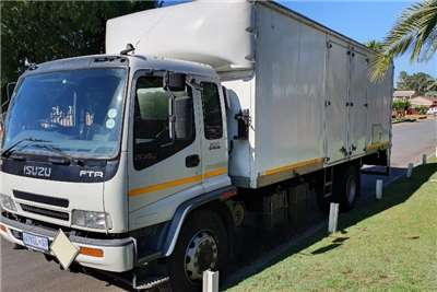 Isuzu Truck Volume Body FTR800 TURBO 2008