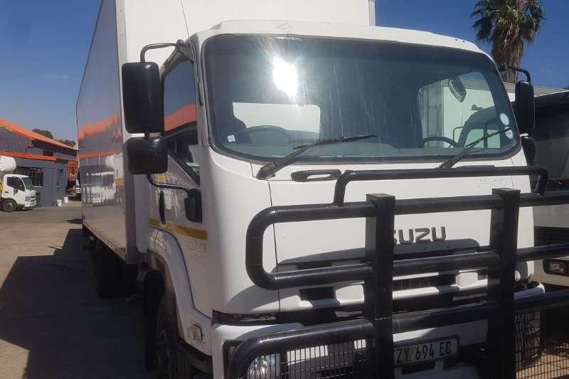 Isuzu Truck Volume body FTR850 2013