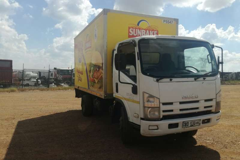 Isuzu Truck Volume body Isuzu NPR 300 Volume Body 2010
