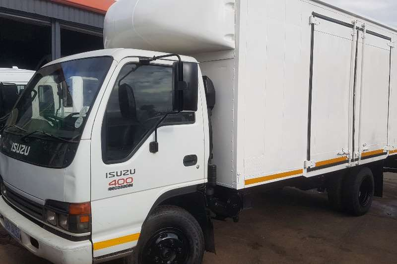 Isuzu Truck Volume body NPR400 2005