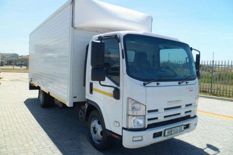 Isuzu Truck Volume body NQR 500 AMT 5TON 2015