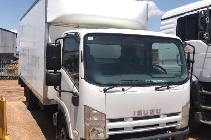 Isuzu Truck Volume body NQR500 2011