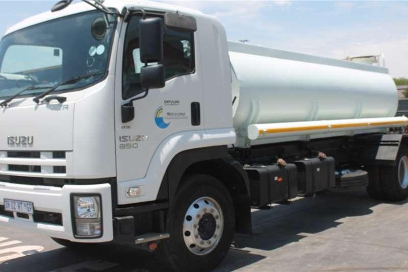 Isuzu Truck Water tanker FTR850 4x2 Water Tanker 2015