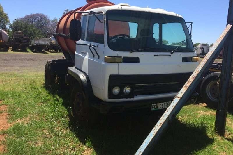 Isuzu Truck Water tanker JCR360 1985