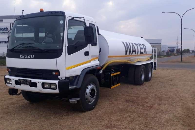 Isuzu Water bowser trucks 16 000 LITER WATER BOWSER 2005