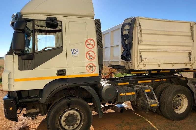 2011 Iveco  Iveco Trakker 440 6x4