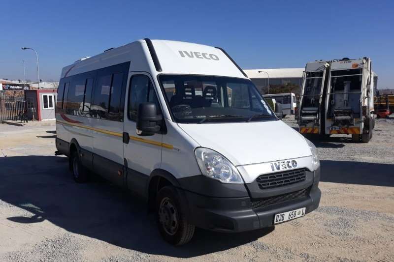 Iveco LDVs & panel vans Daily 50C15 22 Seater 2015