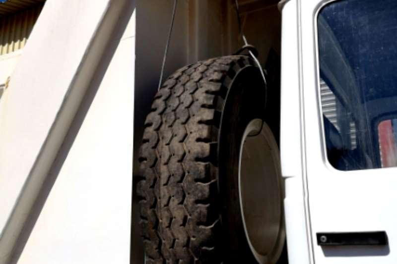 Iveco Iveco Tipper 6x6 Tipper trucks
