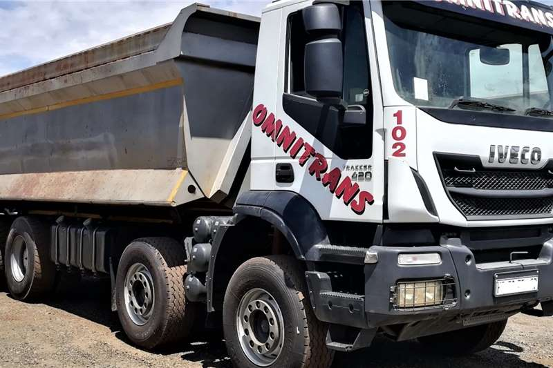 Iveco Truck 2015 Iveco 420 8x4 Tippers 2015