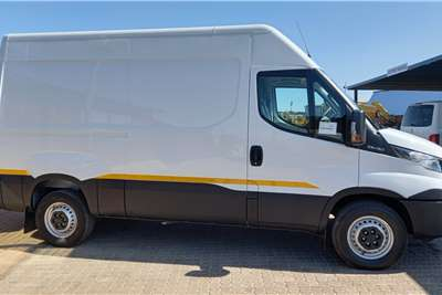 Iveco 35C15V11 DAILY Truck