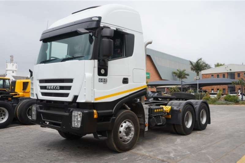 Iveco Truck 682 430 6x4 Horse