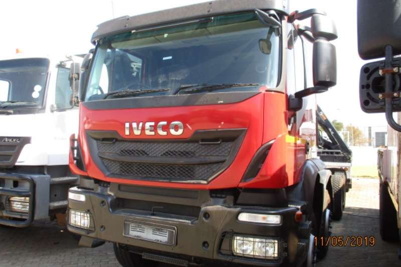 Iveco Truck Chassis cab IVECO 380 8 X 4 CHASSIS CAB 2016