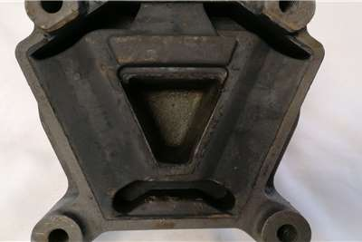 Iveco ENG Mount FRT Eurotech (98431473) Truck spares and parts