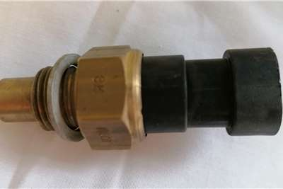 Iveco Temperature Transmitter Sensor Iveco (04837951) Truck spares and parts