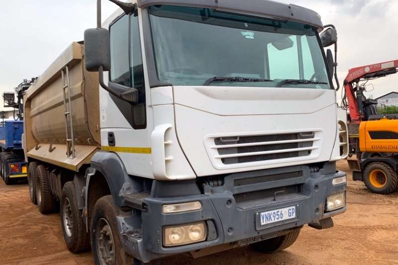Iveco Truck Tipper TRAKKER 440 8X4 ASPHALT 2009