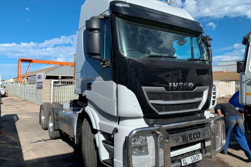 Iveco Truck-Tractor Double axle AS750S48TZP 2017