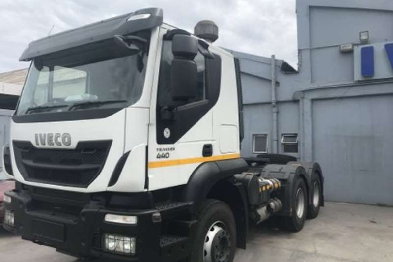 Iveco Truck-Tractor Double axle AT750T44TH SR Low Roof 2016