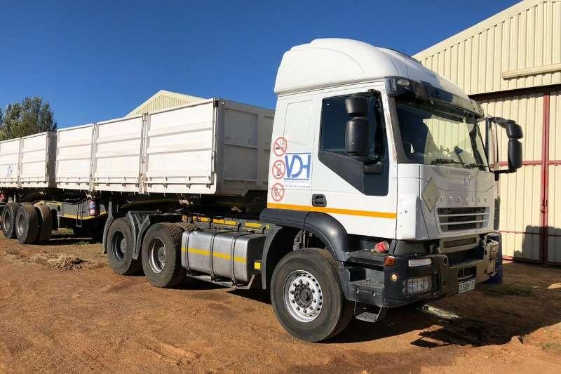 Iveco Truck-Tractor Double axle Iveco Trakker 440 6x4 2011