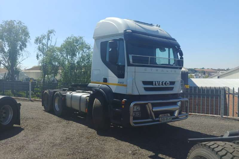 Iveco Truck-Tractor Double axle Stralis 430 2010
